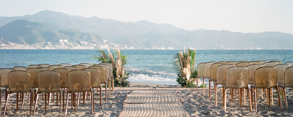 best beaches for a destination wedding in Mexico | velas resorts